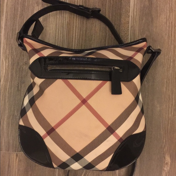 04461d00d08c Burberry Handbags - 🎀 Classic Burberry Nova Check Crossbody 🎀